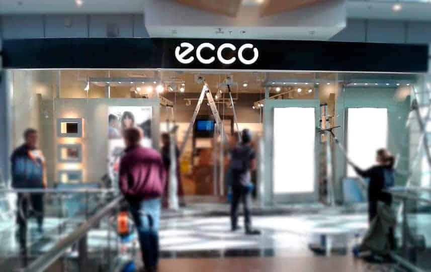 Внутренняя вывеска для магазина Ecco